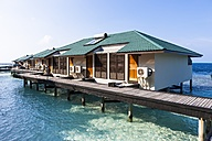 Maledives, South-Male-Atoll, Embudu, water bungalows - AMF001218