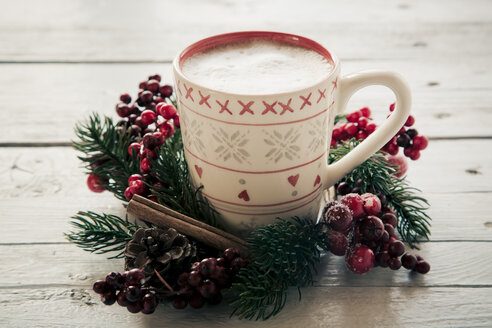Coffee cup in between christmas decoration - SARF000144