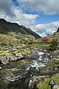 Great Britian, Wales, mountain stream at Llanberis Pass at Snowdonia National Park - EL000623