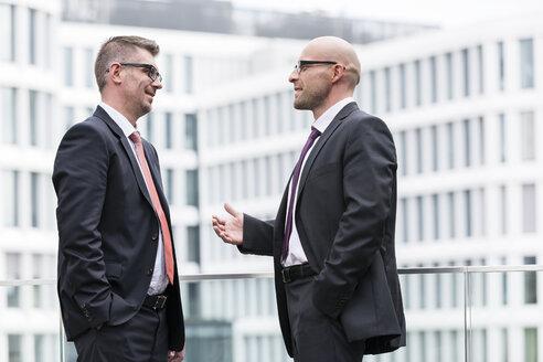 Poland, Warzawa, two businessmen under discussion - MLF000271