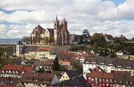 Germany, Baden-Wuerttemberg, Breisach am Rhein, view to Breisach Minster - DHL000198