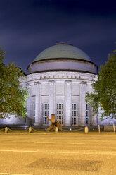 Germany, Hamburg, Kunsthalle at night - NK000035
