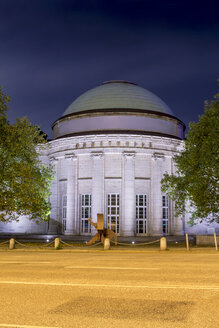 Germany, Hamburg, Kunsthalle at night - NK000035