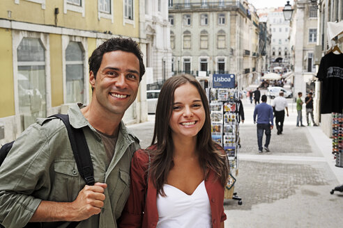 Portugal, Lisboa, Baixa, Rossio, portrait of young couple - BIF000036