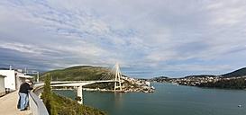 Croatia, Dubrovnik, View of Franio Tudjman Bridge - AM001339