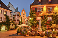 Germany, Baden-Wurttemberg, Meersburg, Market square with hotels - SH001086