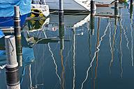 Germany, Bavaria, Nonnenhorn, Reflections of boats in marina - SH001074