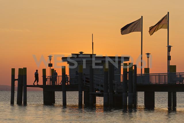 Germany, Bavaria, Nonnenhorn, View of shipping pier - SH001071