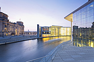 Germany, Berlin, Paul Loebe House, left Reichstag, right Marie Elisabeth Lueders Building - MS003096