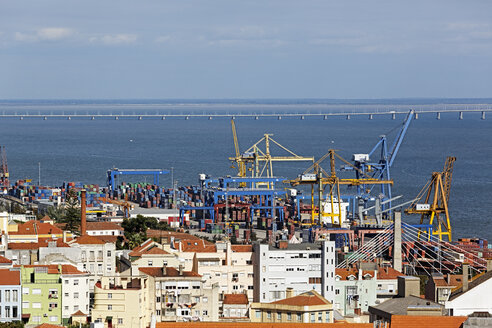 Portugal, Lisbon, Alfama, view to docks - BIF000137