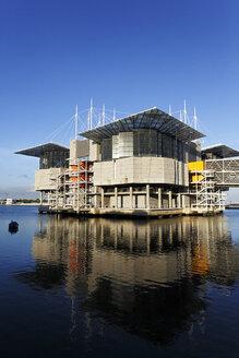Portugal, Lisbon, Parque das Nacoes, view to Oceanario de Lisboa - BIF000149
