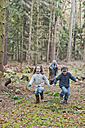 Germany, North Rhine-Westphalia, Moenchengladbach, Scene from fairy tale Hansel and Gretel, children running from witch - CLPF000028
