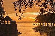 Germany, Baden-Wurttemberg, Konstanz, Hotel pavillion at Lake Constance - SH001126