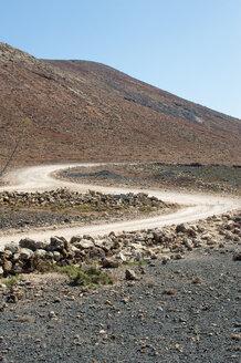 Spain, Fuerteventura, road in between volcanic landscape - VI000186