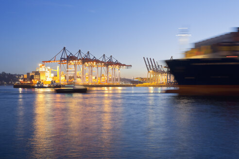 Germany, Hamburg, Parkhafen, harbour, Elbe, container ship - MSF003128