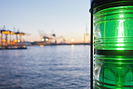 Germany, Hamburg, Parkhafen, Elbe, harbour, green position light - MSF003134