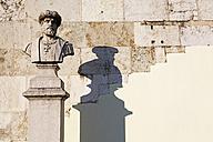 Portugal, Lisbon, Bairro Alto, Miradouro Sao Pedro de Alcantara, Peter of Alcantara, bust - BI000174