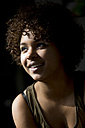 Portrait of smiling female Afro-American - NG000066