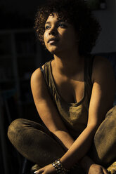 Portrait of contemplative female Afro-American - NG000068