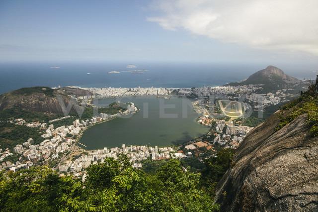 Brazil, Rio de Janeiro, Corcovado, View of the city - AMCF000019 - Alejandro Moreno de Carlos/Westend61