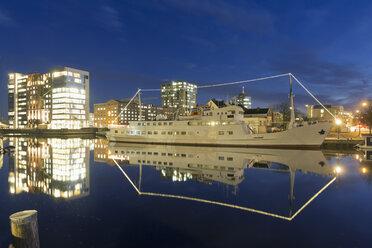 Germany, Hamburg, Hamburg-Harburg, Channel Hamburg, Harburg habour - MSF003162