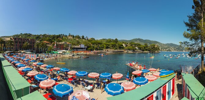 Italy, Liguria, Rapallo, Costal resort of San Michele di Pagana - AM001440