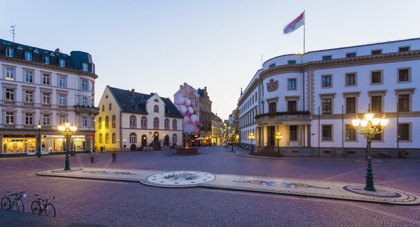 Germany, Hesse, Wiesbaden, Hessian Landtag in Stadtschloss and pedestrian area - WD002126