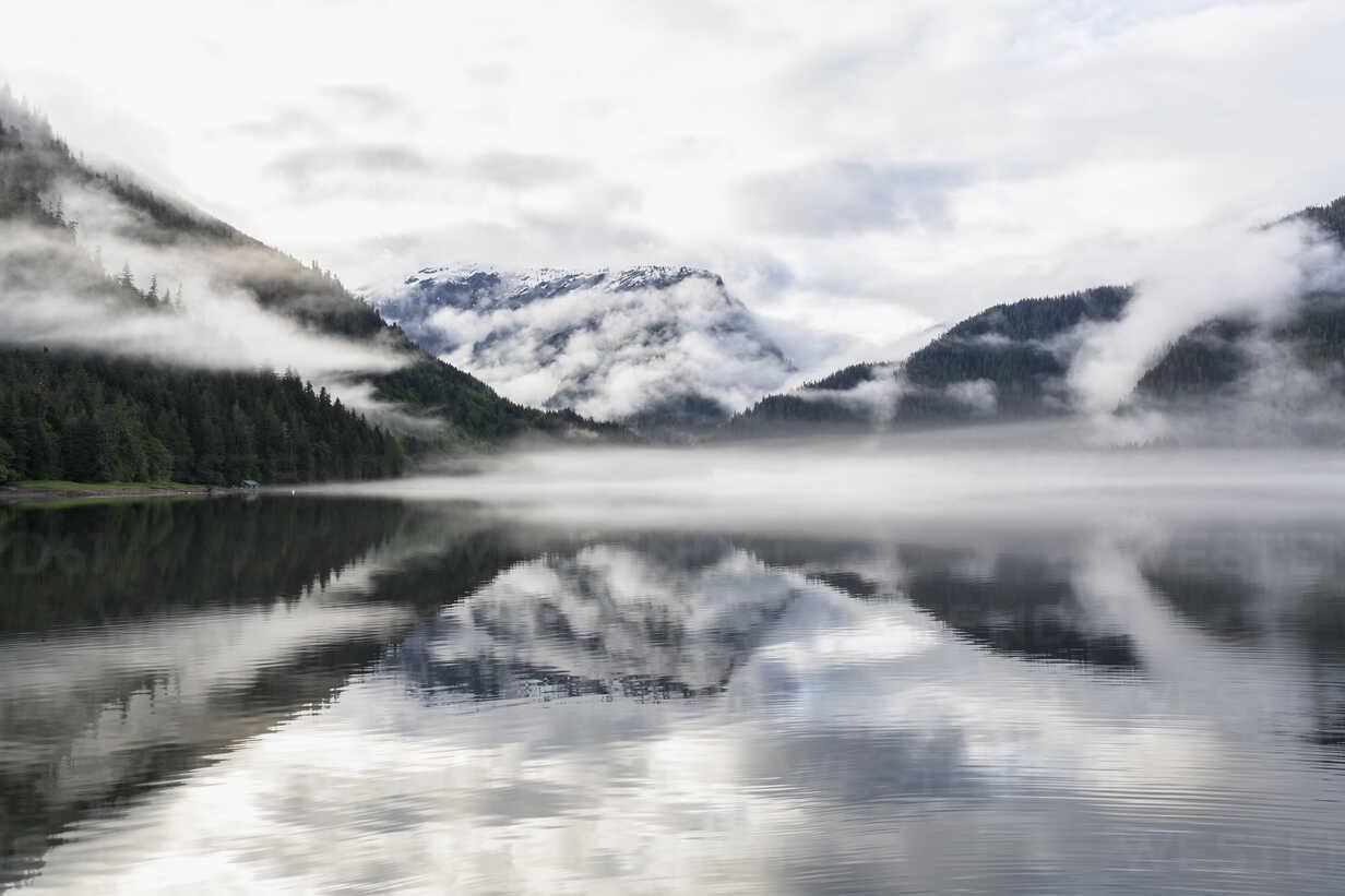 Canada, British Columbia, Khutzeymateen Valley, Khutzeymateen Provincial Park, fjord with fog - FO005421 - Fotofeeling/Westend61
