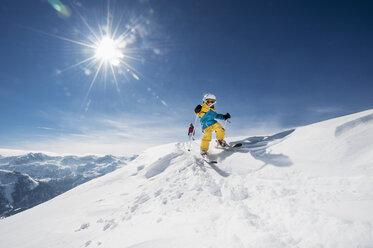 Austria, Salzburg Country, Altenmarkt-Zauchensee, Family skiing in mountains - HHF004647