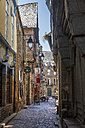 France, Bretagne, Alley in Dinan - BI000227