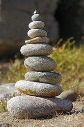 France, Bretagne, Plougrescant, Pebble stone tower - BIF000242