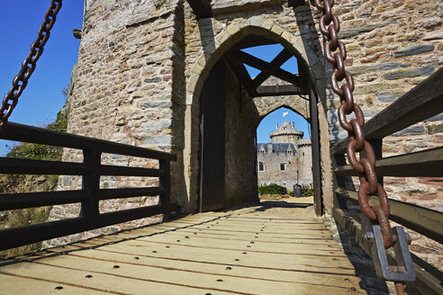 France, Bretagne, Cap Frehel, Drawbridge at Fort la Latte - BI000255