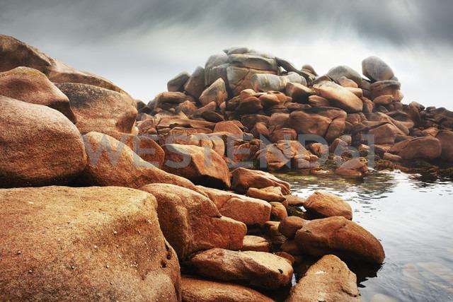 France, Bretagne, Tregastel, Granite coast - BI000221