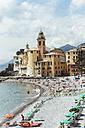 Italy, Liguria, Camogli, View of the lido and church of Santa Maria Assunta - AMF001514
