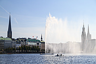 Germany, Hamburg, Inner Alster and Alster fountain - KRP000051
