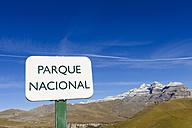 Spain, Aragon, Central Pyrenees, Ordesa y Monte Perdida National Park, Canon de Anisclo, sign, Las Tres Marias in the background - LAF000373