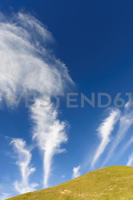 Spain, Aragon, Central Pyrenees, Ordesa y Monte Perdida National Park, Canon de Anisclo, cirrus clouds - LAF000361