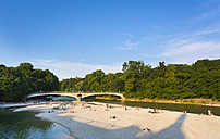 Germany, Bavaria, people taking sunbath at Isar river - HSI000330