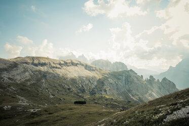 Italy, Province of Belluno, Veneto, Auronzo di Cadore, Tre Cime di Lavaredo, landscape - MJ000463