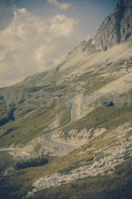 Italy, Province of Belluno, Veneto, Auronzo di Cadore, mountain road near Tre Cime di Lavaredo - MJF000484