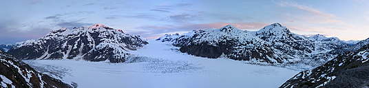 Border region Alaska-British Columbia, Salmon Glacier - FO005439