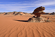 Algeria, Sahara, Tassili N'Ajjer National Park, Tadrart region, erodes mushroom rock, hoodoo at Tin Merzouga - ES000865