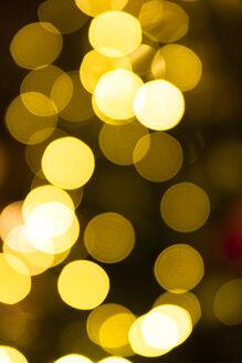 Germany, Bavaria, Munich, Marienplatz, Christmas market, points of light - TCF003787