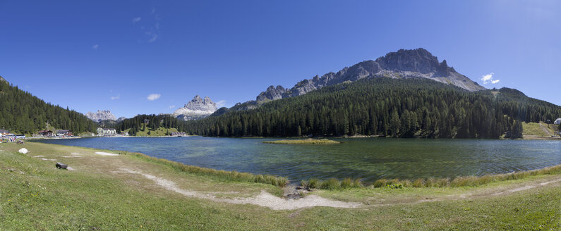 Italy, Veneto, Tre Cime di Lavaredo and Lake Misurina - WWF003115