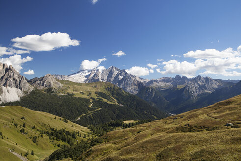 Italy, South Tyrol, View from Sella Pass to Marmolada - WWF003088