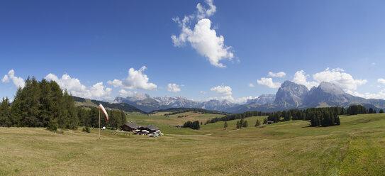 Italy, South Tyrol, Seiseralm and Langkofel group - WWF003070