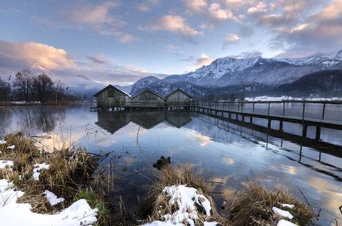 Germany, Bavaria, winter on the Lake Kochelsee near Garmisch-Partenkirchen - MBOF000023
