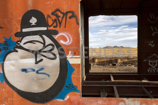 South America, Bolivia, Salar de Uyuni, train cemetery - STSF000279