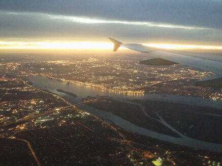 View from airplane on Montreal and the Saint Lawrence river, Canada, Quebec, Montreal - SEF000206
