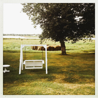 Bench in a Garden, Prince Edward Iceland, Canada, Nova Scotia, PEI - SE000152